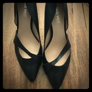 Nine West black leather pointy toe pumps
